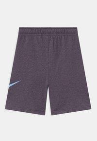 Nike Sportswear - CLUB - Shorts - dark raisin - 1