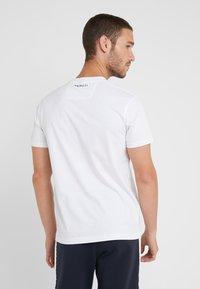 Hackett Aston Martin Racing - LOGO TEE - T-shirt basic - white - 2