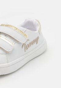 Tommy Hilfiger - Sneakers basse - white/platinum - 5
