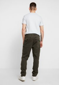 G-Star - ROXIC TAPERED FIT CARGO - Pantalones chinos - asfalt - 2