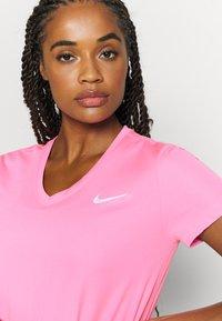 Nike Performance - MILER V NECK - T-Shirt print - pink glow/silver - 4