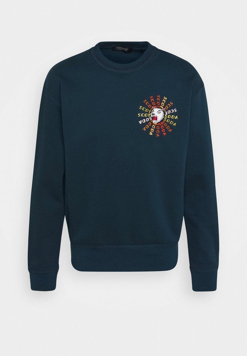 Scotch & Soda - CREWNECK  WITH ARTWORK IN MIXED TECHNIQUES - Sweatshirt - arctic teal