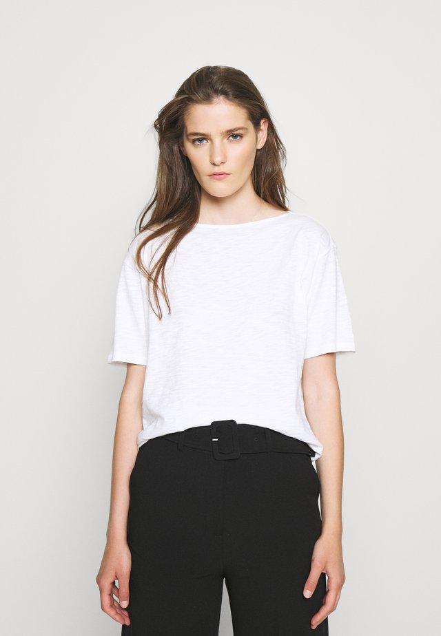 STRAIGHT TEE NEBULOU - Basic T-shirt - white