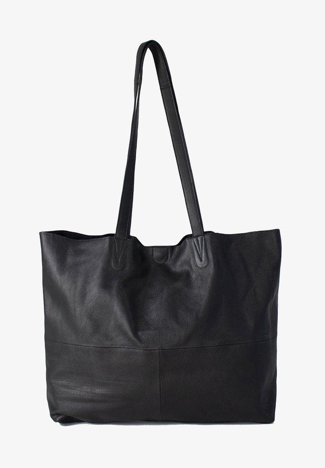 MARLO URBAN - Handväska - black