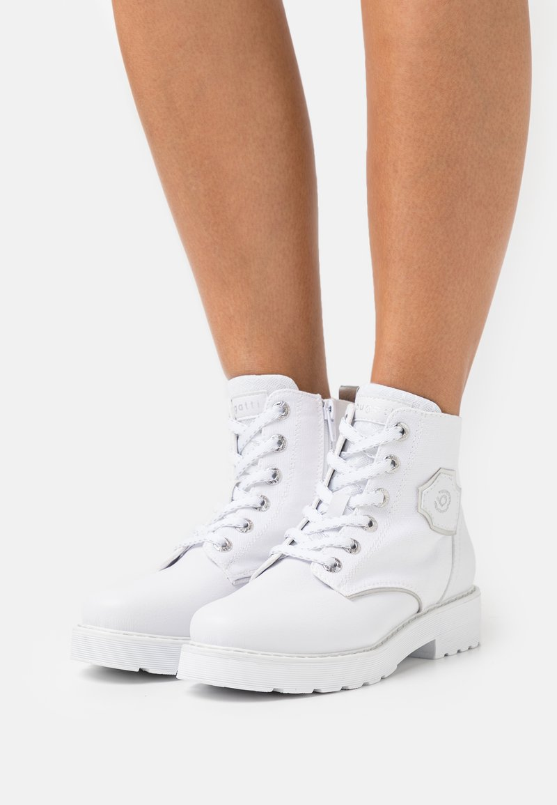 Bugatti - NERIA REVO - Lace-up ankle boots - white/silver