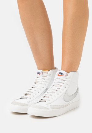 BLAZER MID '77 - Sneakers alte - summit white/metallic silver