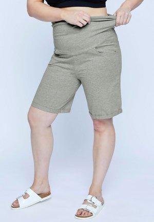ÜBERGRÖSSEN  - Shorts - grau-melange