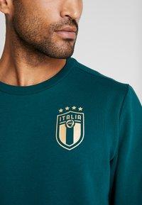 Puma - ITALIEN FIGC CULTURE CREW SWEATER - Sweater - ponderosa pine/gold - 4
