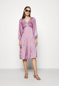 Closet - V NECK PUFF SLEEVE DRESS - Day dress - pink - 1