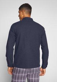 Junk De Luxe - CONTRAST STRIPE OUTERSHIRT - Summer jacket - mid blue - 2