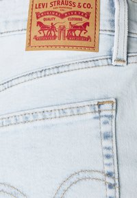 Levi's® - HIGH WAISTED MOM - Pantaloni - what the flip - 5