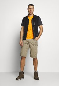 The North Face - MENS VARUNA TEE - Print T-shirt - orange/mottled dark grey - 1