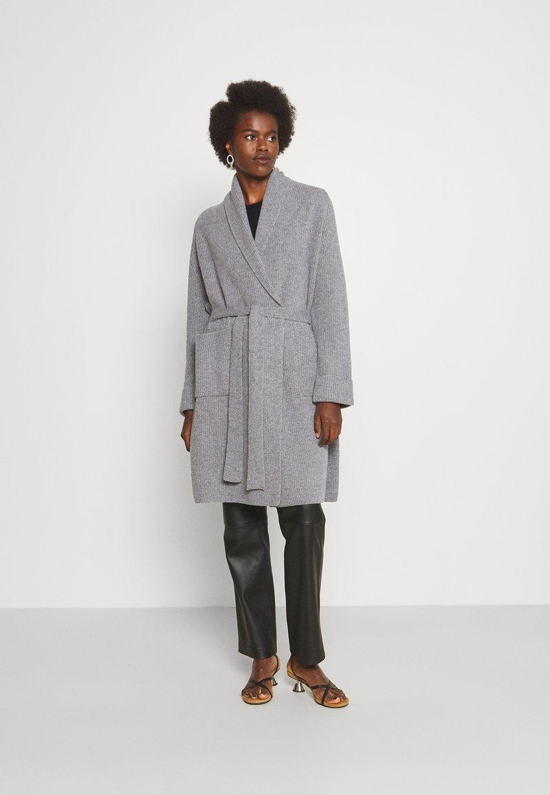 WEEKEND MaxMara - AGAMIA - Cardigan - light grey