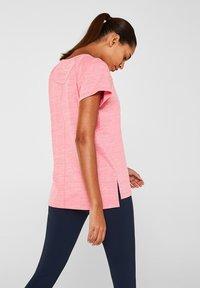 Esprit Sports - Print T-shirt - coral - 2
