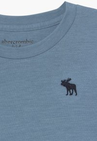 Abercrombie & Fitch - BASIC SOLID TEE - Jednoduché triko - texural blue shadow - 3