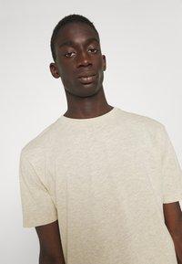 Newport Bay Sailing Club - CORE 3 PACK - T-shirt - bas - ecru/ashley blue/white - 5