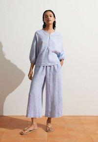 OYSHO - Pantalon classique - light blue - 4