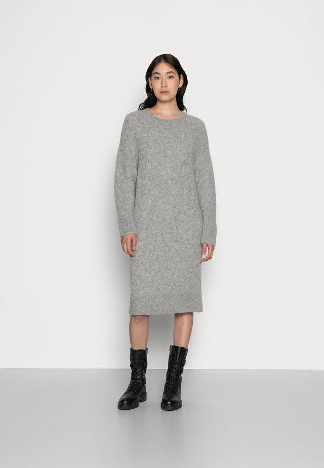 LOTTA - Gebreide jurk - grey melange