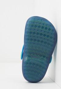 IGOR - POPPY - Sandały kąpielowe - azul/turquesa - 5