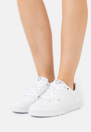 JULIEN - Baskets basses - white