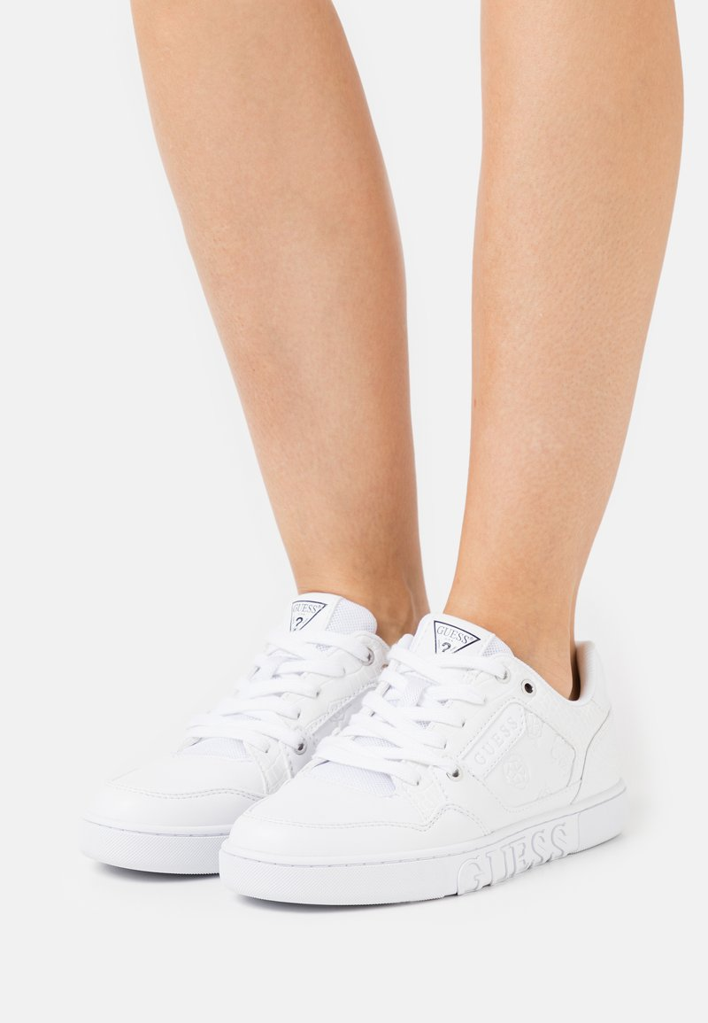Guess - JULIEN - Trainers - white