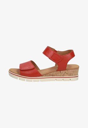 Sandály na klínu - red nappa