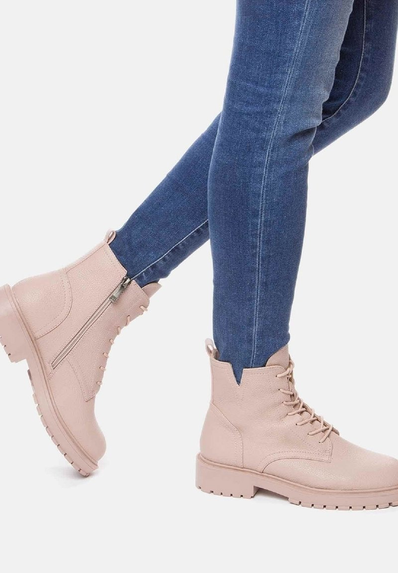 Betsy - Lace-up ankle boots - pink