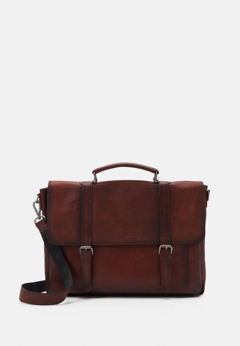 Still Nordic - VINTAGE MESSENGER BRIEF - Laptop bag - brown