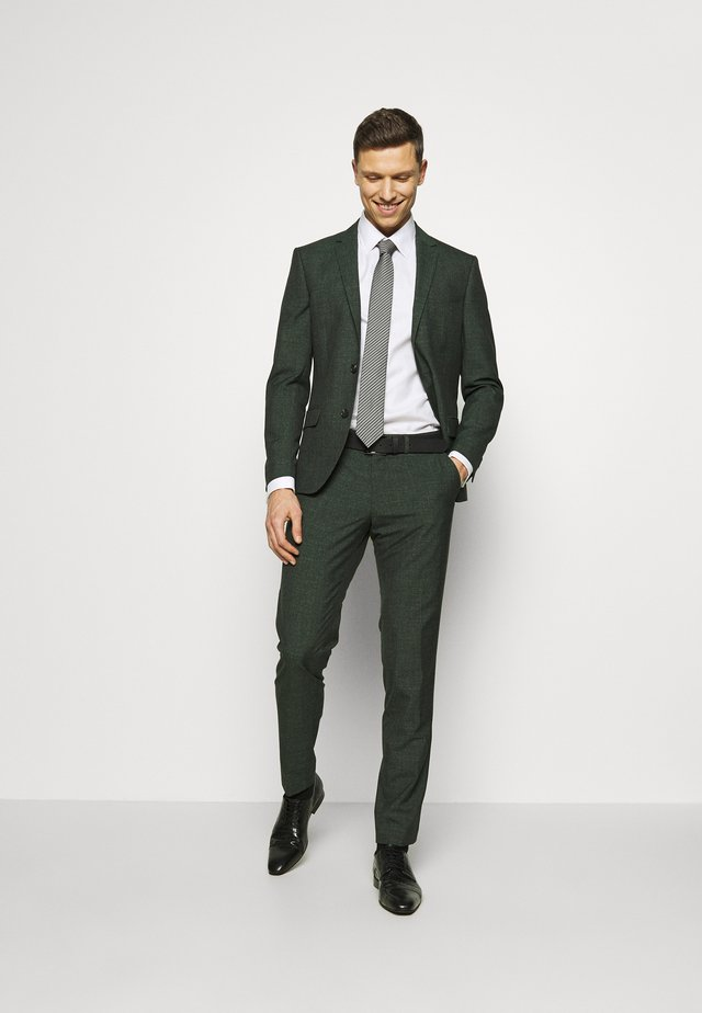ANDERSON JEPSEN SUIT - Completo - green