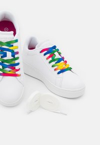 Benetton - TRIPLE - Sneakers basse - white - 5