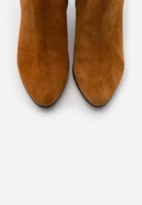 Lamica - GEL - Kotníkové boty - cognac - 5