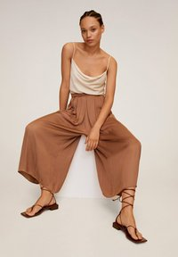 Mango - MEMORY - Trousers - marron - 3