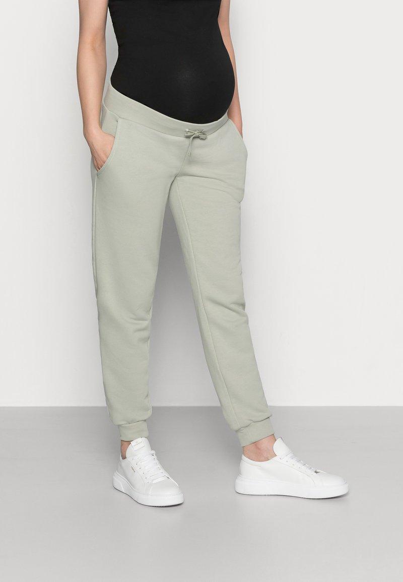 Pieces Maternity - PCMPIP PANTS - Pantalones deportivos - desert sage