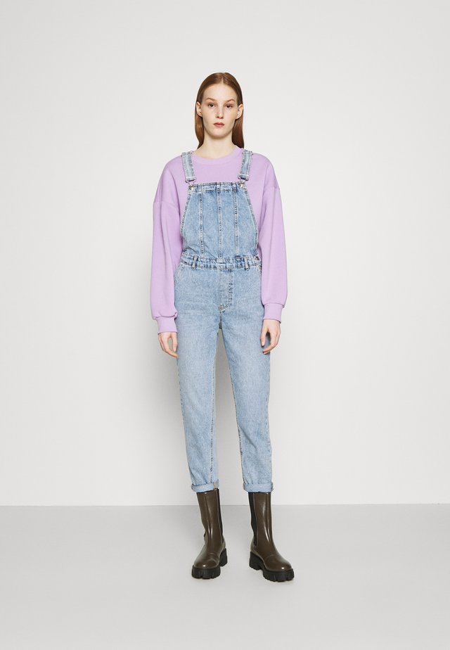 ONLPERCY LIFE OVERALL  - Latzhose - light-blue denim