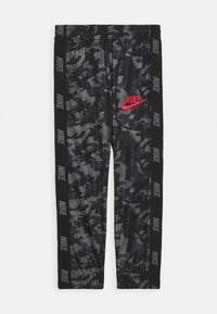 Nike Sportswear - CAMO TRICOT SET - Trainingspak - black - 2