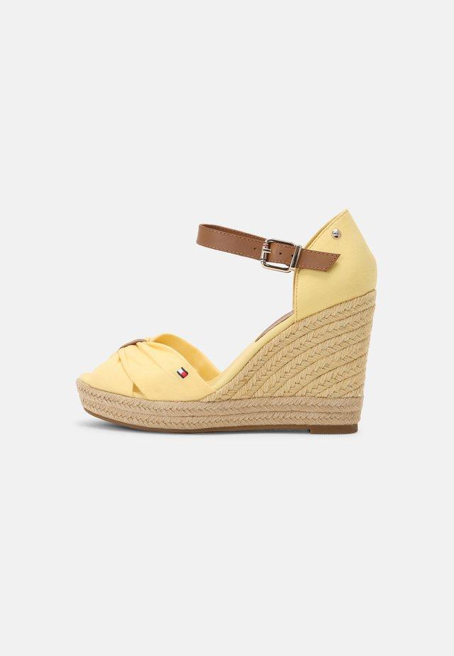 ELENA - Sandalen met hoge hak - delicate yellow