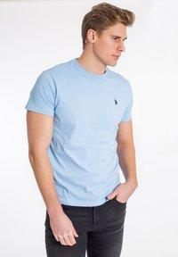 U.S. Polo Assn. - T-shirt - bas - placid blue - 0