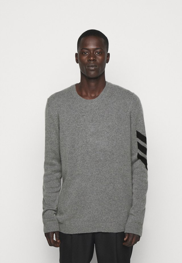 KENNEDY ARROW - Strickpullover - grey/black