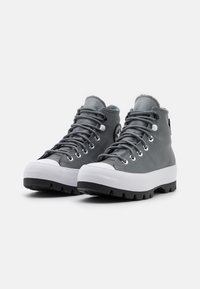 Converse - CHUCK TAYLOR ALL STAR MC LUGGED - High-top trainers - limestone grey/black/white - 2
