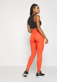 Nike Performance - ONE LUXE - Medias - mantra orange - 2