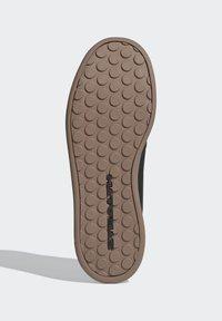 adidas Performance - FIVE TEN SLEUTH DLX MOUNTAIN BIKE SHOES - Cycling shoes - black - 4