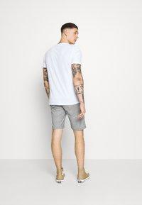 Shine Original - CHECKED - Shorts - grey - 2