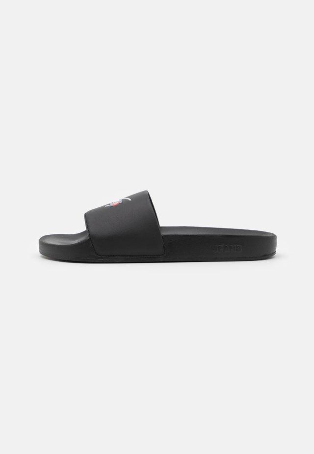 SIGNATURE MENS POOL SLIDE - Pantofle - black