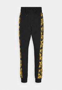 Versace Jeans Couture - PRINT LOGO BAROQUE - Teplákové kalhoty - black - 5