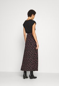 Anna Field - BASIC - Maxi skirt - Maxi sukně - black/rose - 2