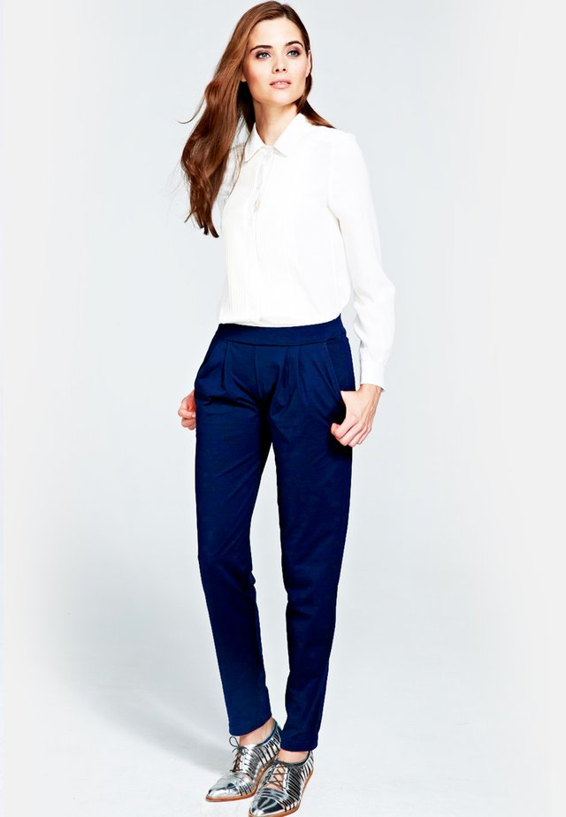 SLOUCH N GLAM - Trousers - navy