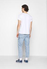 Levi's® - TAPER CARPENTER CROP - Jeans a sigaretta - dark indigo - 2