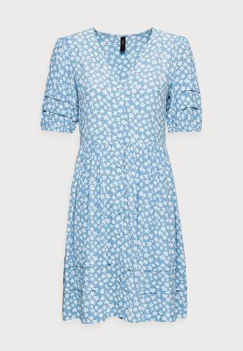 YASLURA DRESS - Kjole - dusk blue/lura aop