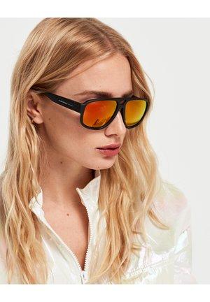 STEEZY - Sluneční brýle - black