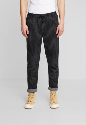 AKBASU PANTS - Trousers - dark grey/black